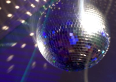 night-club-ball-1182908